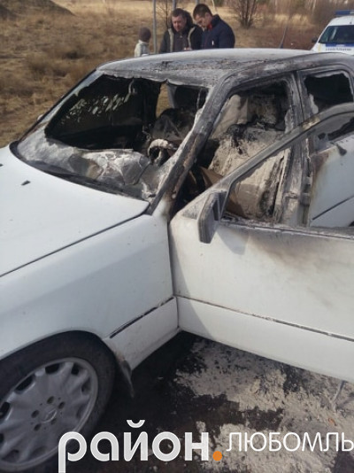 На дорозі біля Вишнева загорілося авто