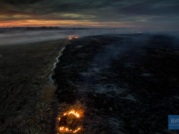 Як з фільму жахів: показали спалені поля Волині