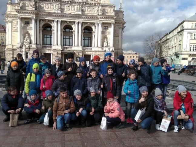 Шестикласники з Любомля побували у Львові