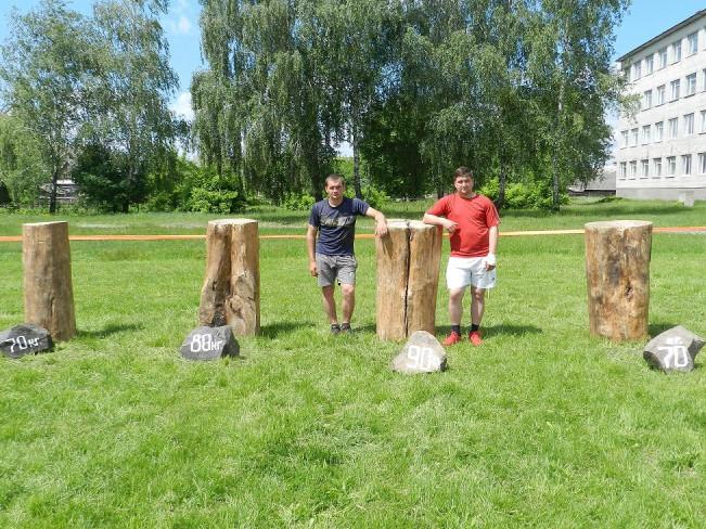 Силачі Рівненської громади взяли участь у «Козацьких розвагах»