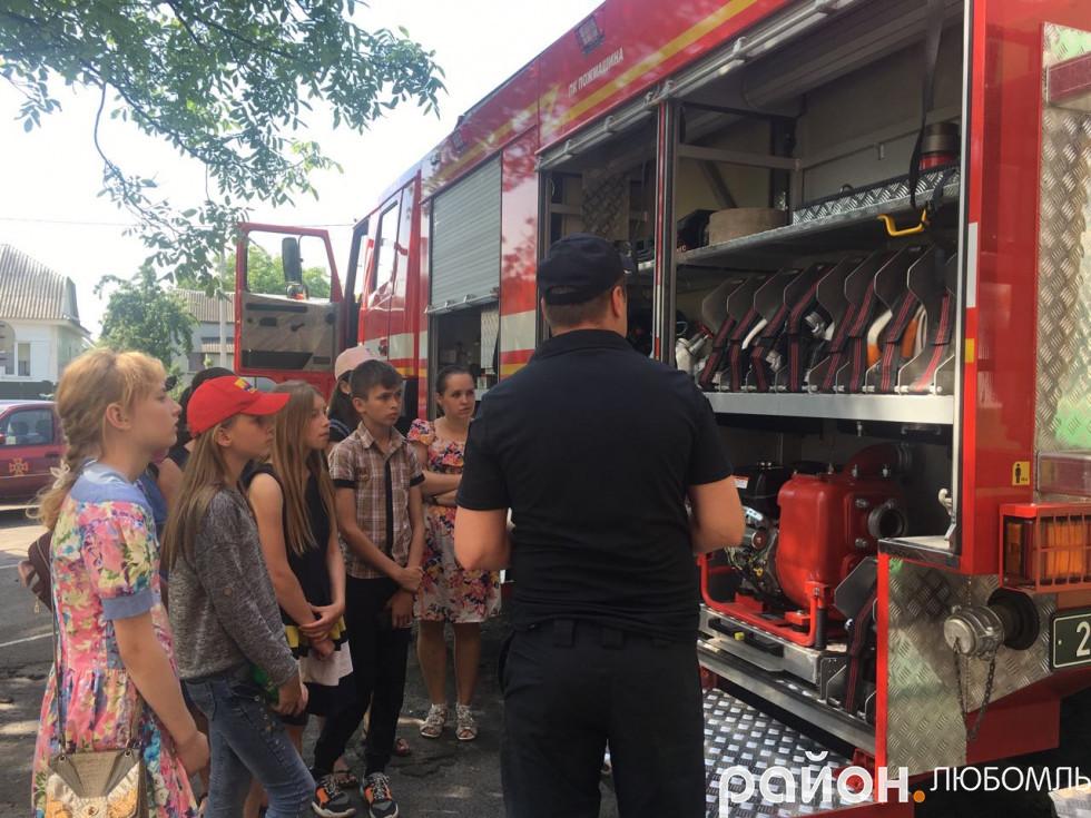 Семикласники Машівської школи завітали до вогнеборців