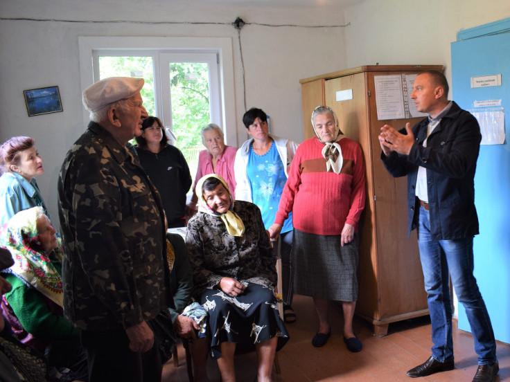 Жителі Столинсько-Смолярського старостинства під час зустрічі із очільником Рівненської ОТГ