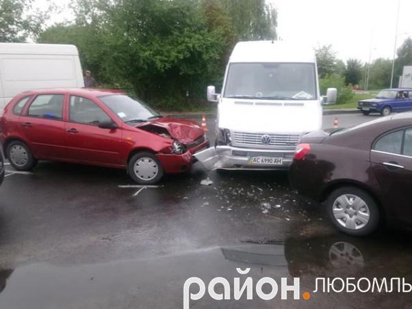У Любомлі зіткнулися три автівки