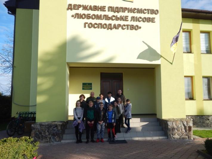 Учні гуртка »Шкільне лісництво»