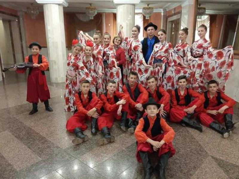 Танцювальний колектив «Хуторянка»