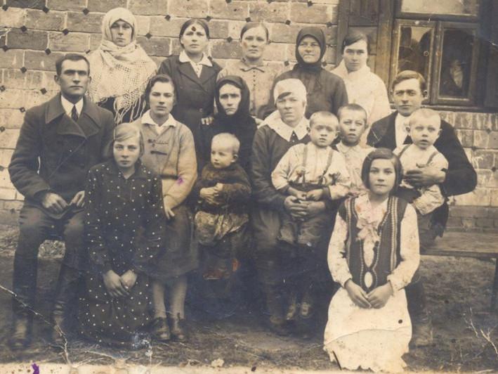 Родина з Чмикоса
