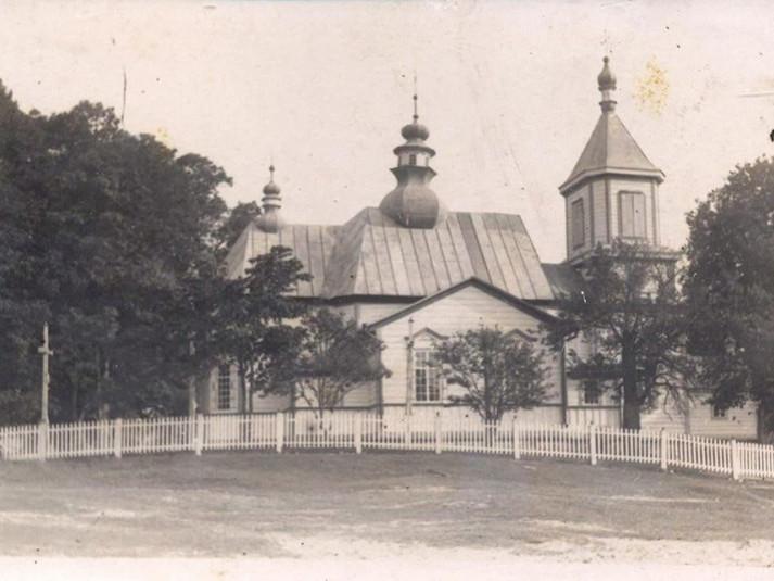 Церква у селі Рівне