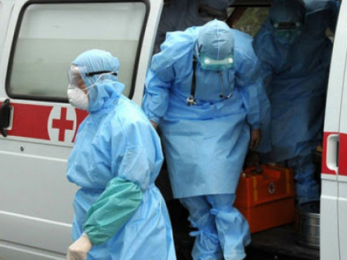 Працівники Вишнівської сільради перерахували свою одноденну зарплату медикам