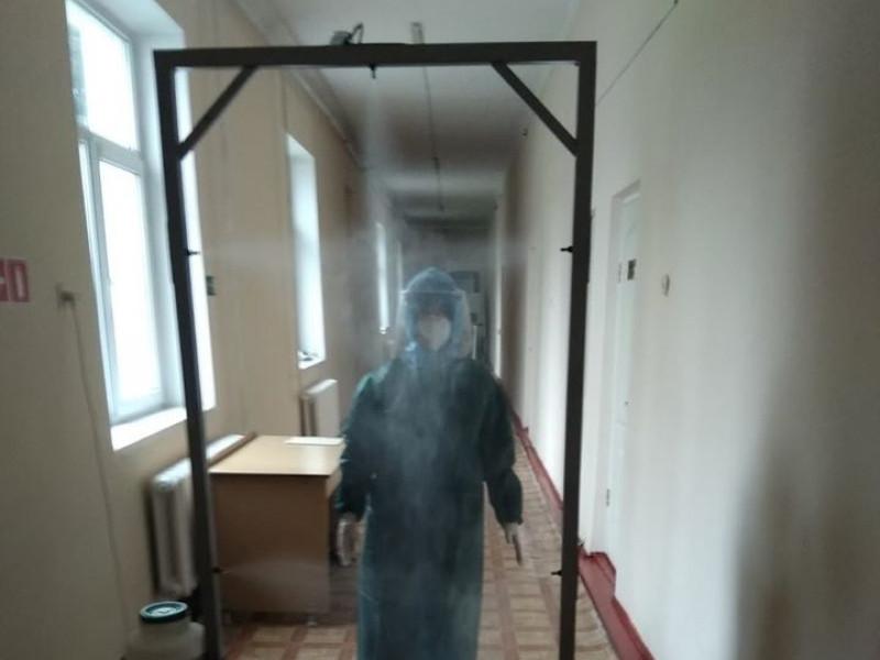 Любомльська лікарня придбала дві дезінфікаційні рамки