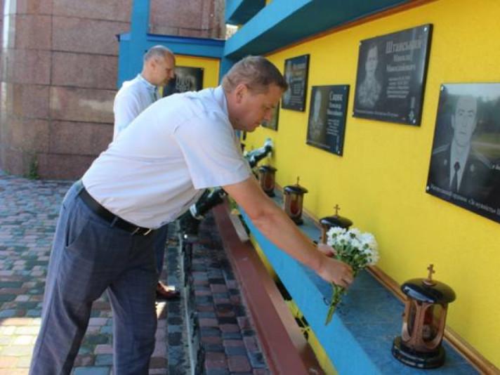 У Любомлі поклали квіти до пам'ятних місць борців за волю та незалежність України