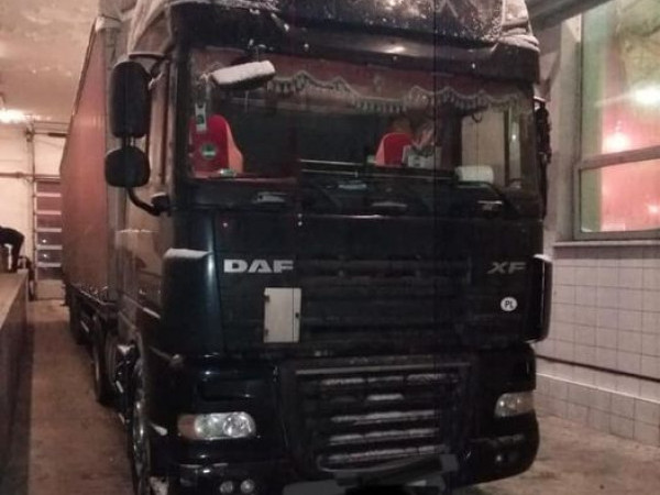 У вантажівці виявили контрабанду