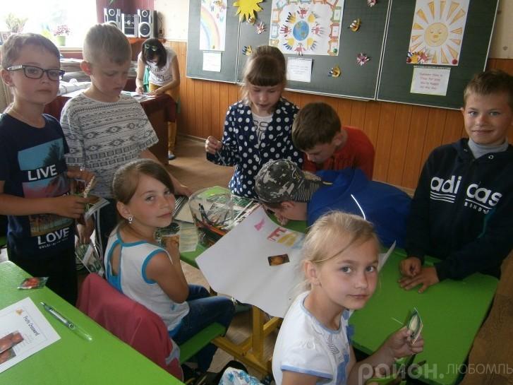 В англомовному таборі при ЗОШ №2 м. Любомля веселилися і вивчали іноземну мову.