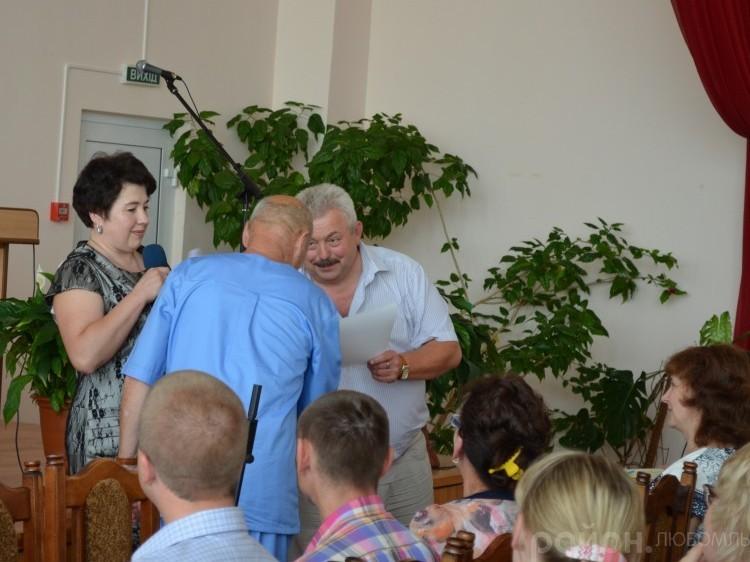 Генеральний директор ТМО Любомльського і Шацького районів вітає своїх працівників