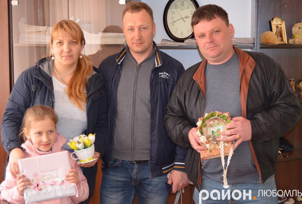 Сім'ї підприємців Удальцових і Козлів із Вишнева в числі перших взяли участь у ярмарку.