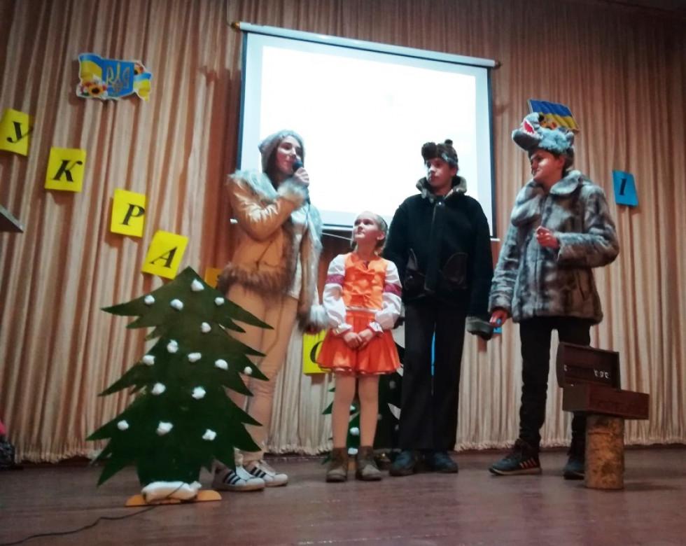 Вихованці Полапівської школи провели незабутнє свято діткам у спеціалізованій школі-інтернат у Головні.