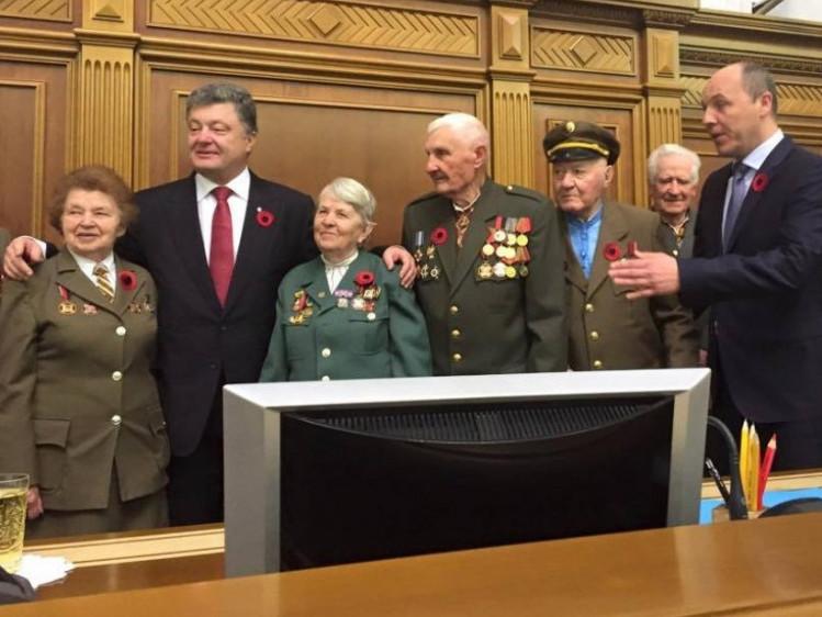 Президент України особисто подякував Анатолію Дроздовичу з Любомля за участь в УПА.