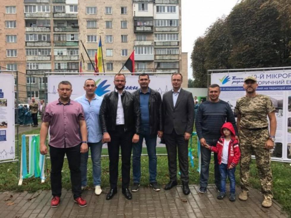 Юрій Безпятко - крайній зліва