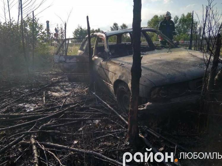 Біля «Ягодина» вщент згоріло авто поляка.