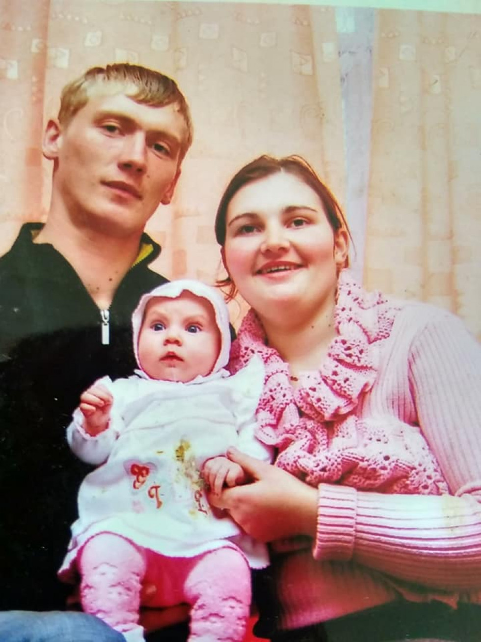 Анатолій Федчишин з донечкою і дружиною.