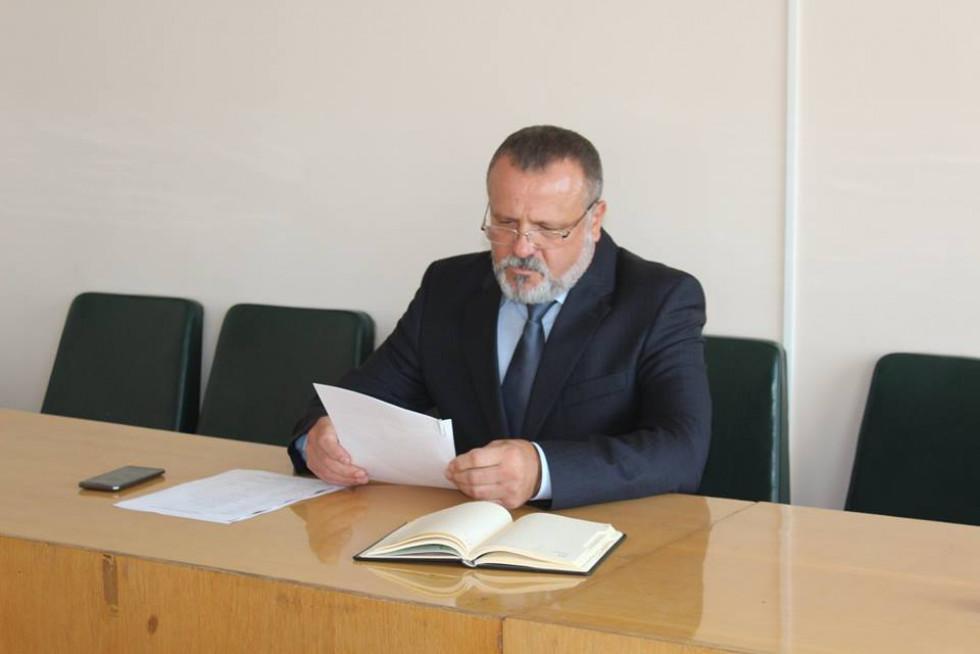 Голова районної державної адміністрації Олександр Устименко.
