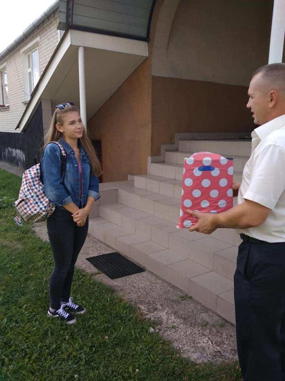 Шкільне приладдя отримала Вікторія Штанська, донька загиблого учасника АТО Миколи Штанського.