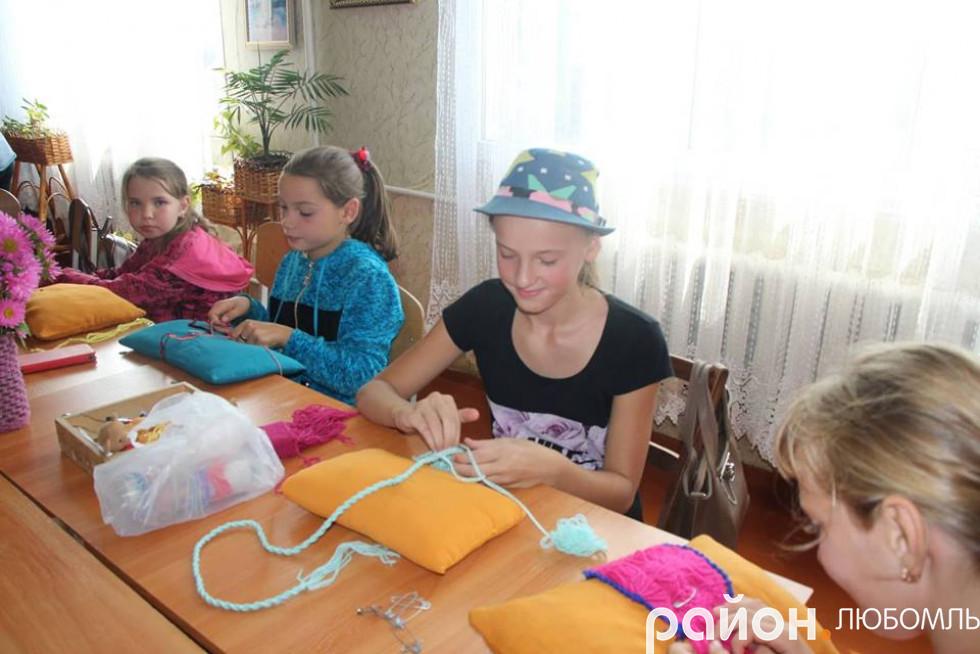 Майстер-класи з різних видів рукоділля, якими займаються вихованці закладу.