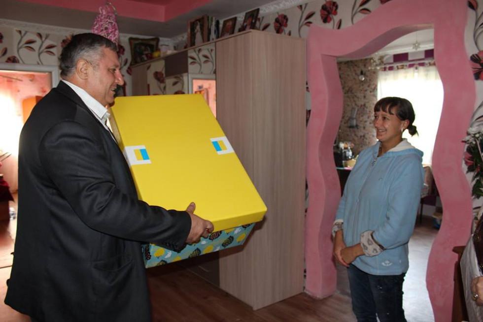 Породіллям Любомльщини вручають «Пакунки малюка»