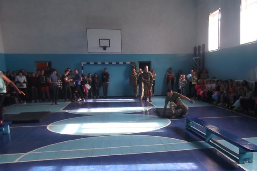 У міській школі змагалися учні та учасники АТО