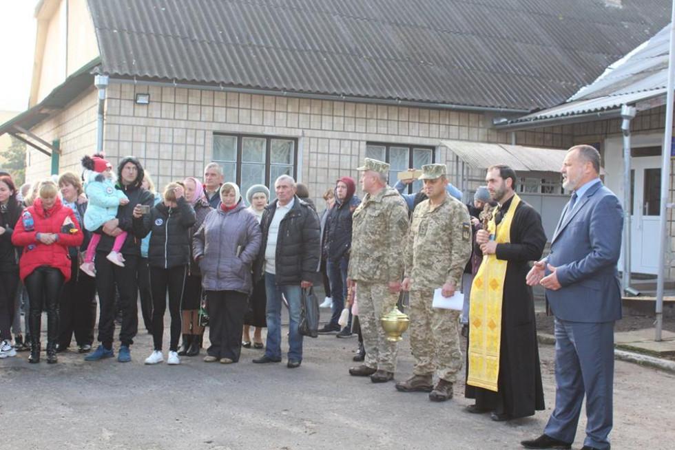 У Любомлі урочисто провели юнаків на строкову службу