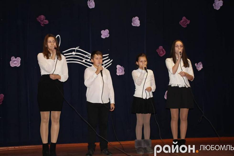 Квартет у складі Анни Прокопчук, Дарини Лонюк, Юрія та Мирослави Бабаць