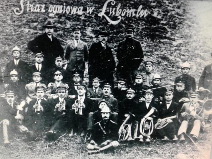 Ретросвітлини: любомльські пожежники майже 100 років тому
