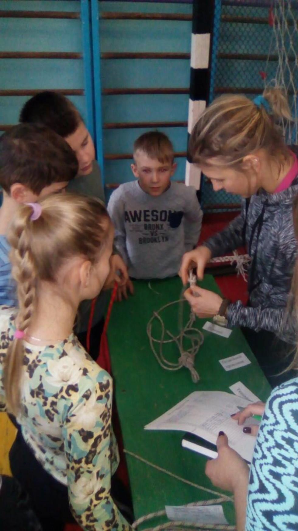 Любомльські школярі здобули чотири медалі на змаганнях із скелелазіння