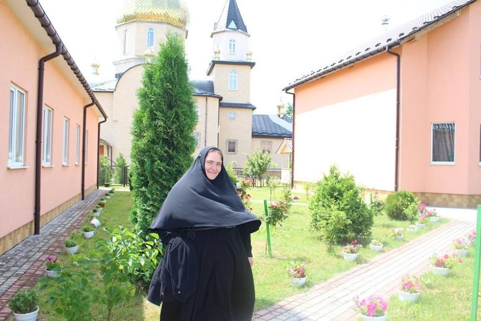 34-річна приємна монахиня вже 15 років служить Господу.
