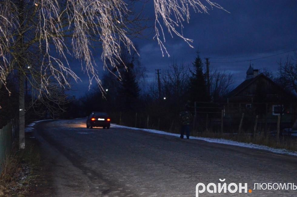 У селі Запілля вуличне освітлення зробили у грудні 2016 року.