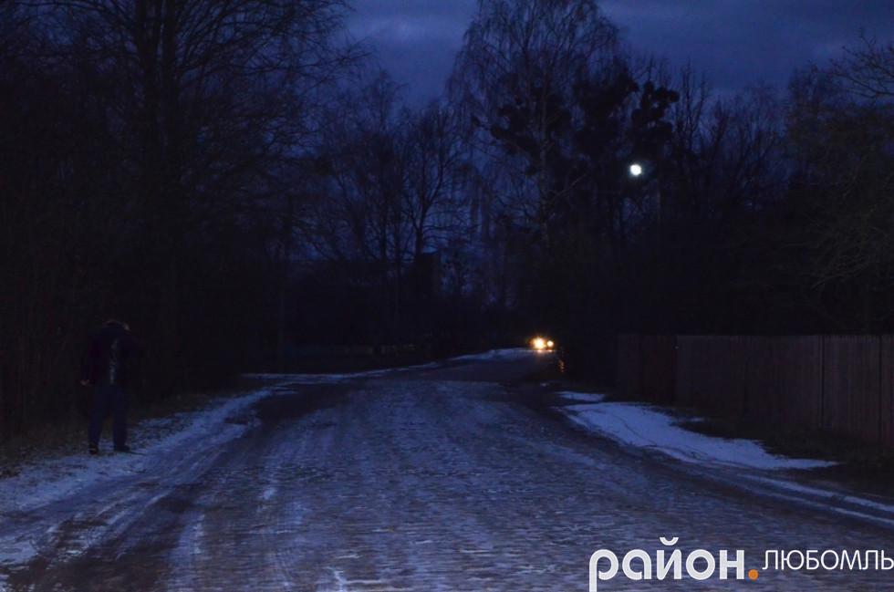 А через погану дорогу у Запілля не заїжджає жоден перевізник.