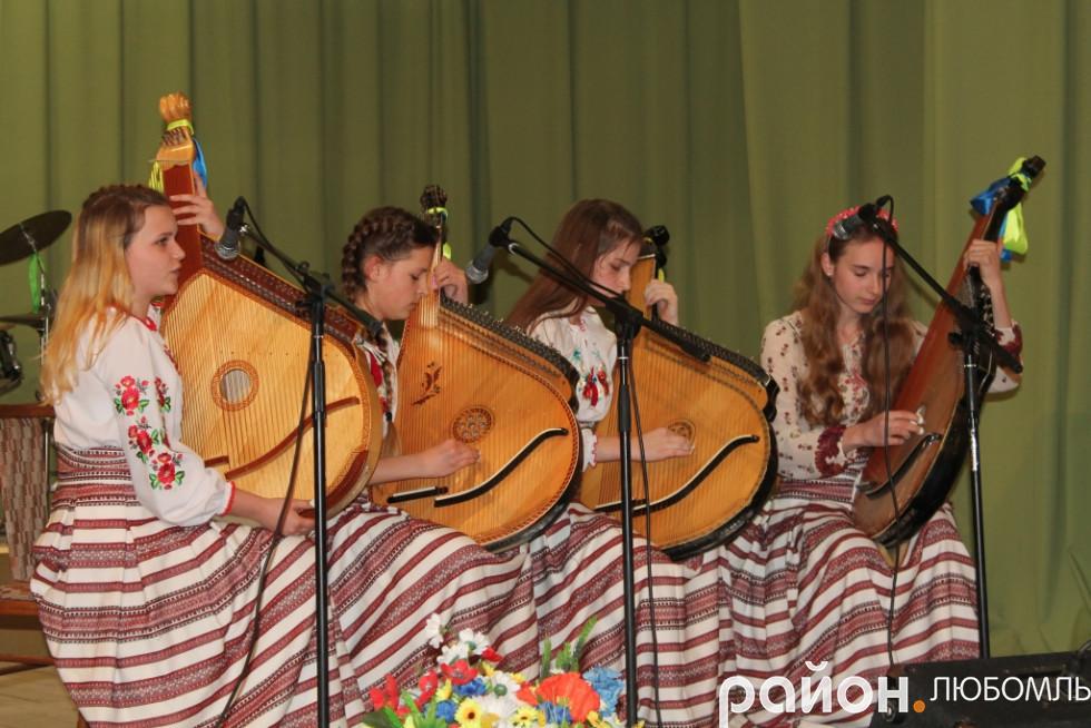 Вихованки музичної школи