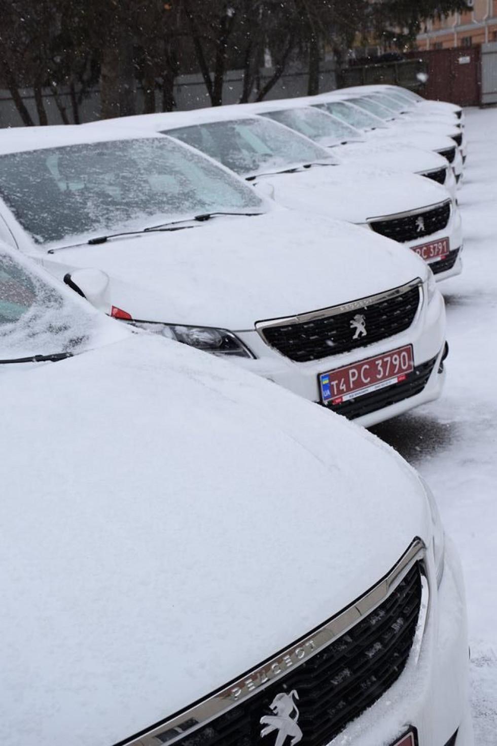 Волинські первинки отримали 23 автомобілі від Світового банку