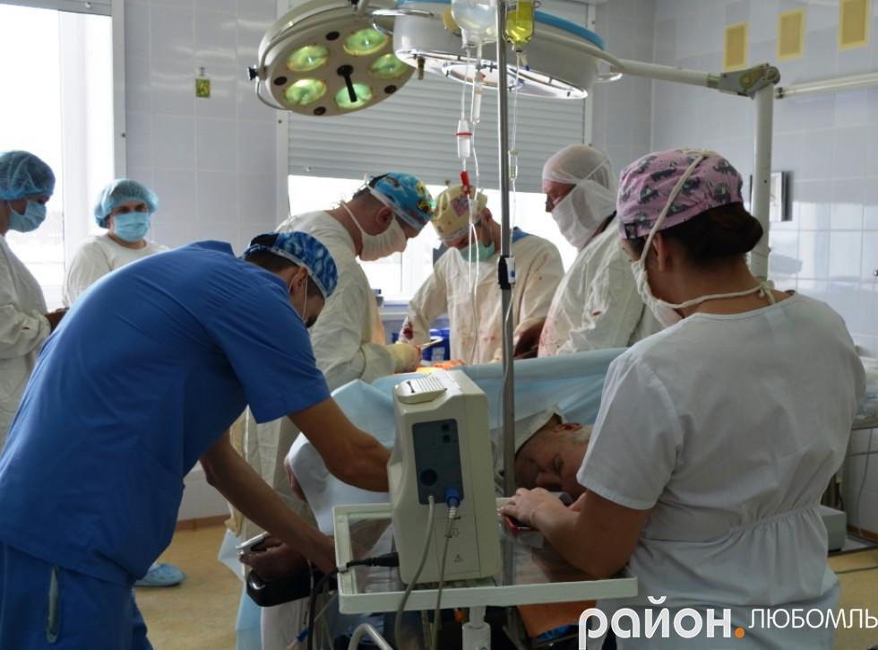 Як у Любомльській лікарні «ремонтують» суглоби