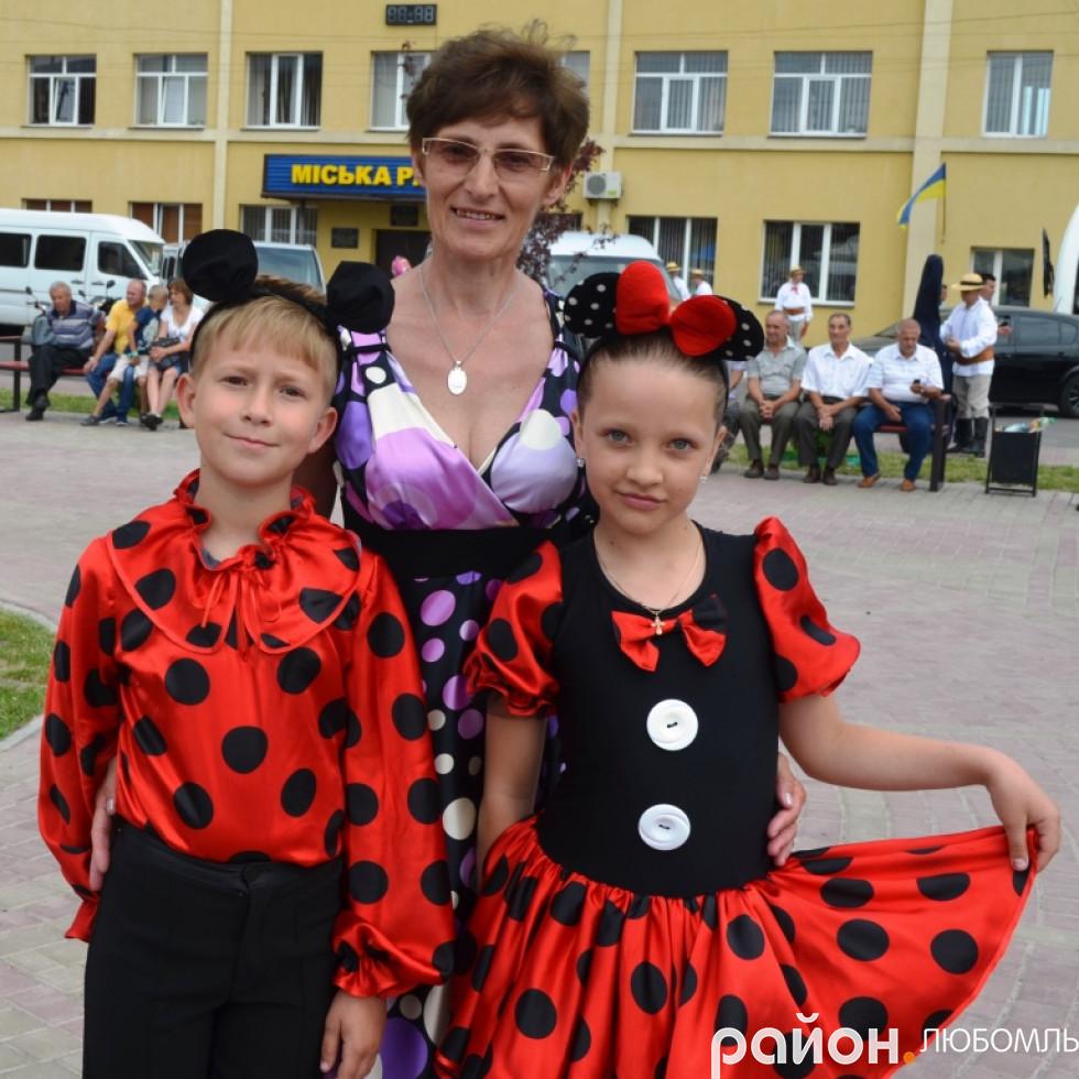 Галина Бородчук зі своїми вихованцями