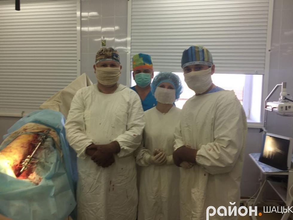 Лікарі-травматологи